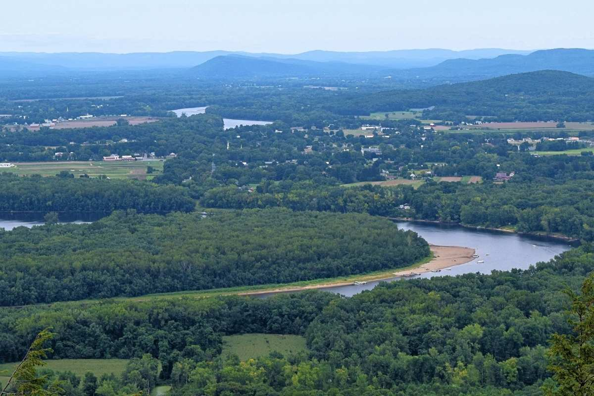 The view over the Connecticut River Valley from Skinner State Park